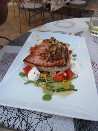 Hotel Restaurant de la Place : Tuna steak.....fabulous