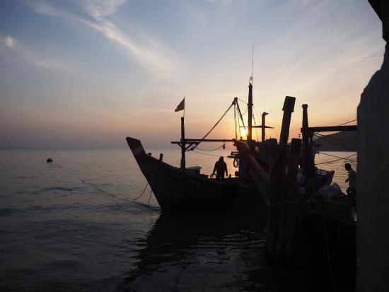 Penang Photography Walks With David Hagerman: Sunrise at the fishing harbour