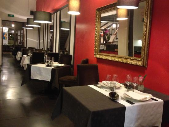 Couleur Rouge : Le restaurant