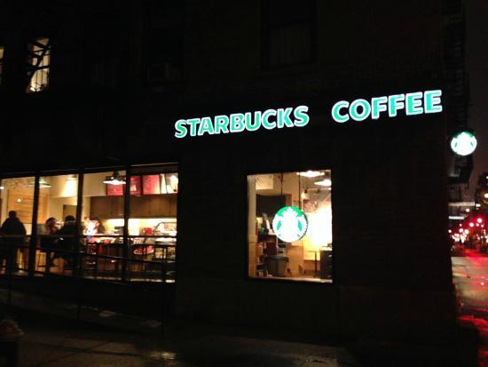 Starbucks : фасад