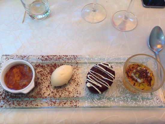 Auberge la Bartavelle: Crème brûlée au carambar, glace amarreto, fondant au chocolat, île flottante à l'abricot