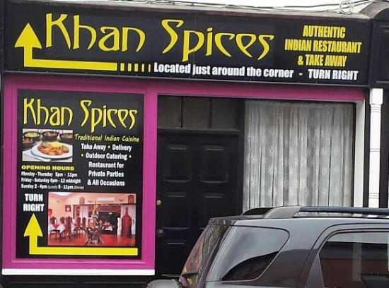 Khan Spices Indian Restaurant: Restaurant sign on the Emmet Street(main Street)