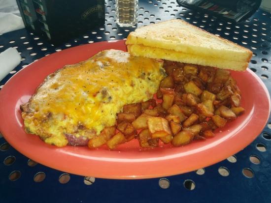 Bilmar Beach Cafe: Tasty omelette