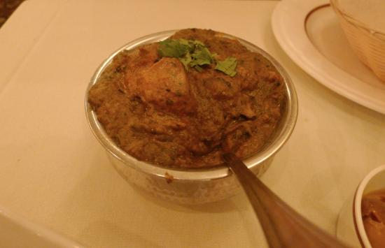 Crown Of India: Chicken Saag