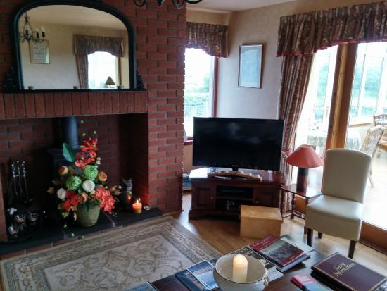 Leanach Farm : Living room (communal)