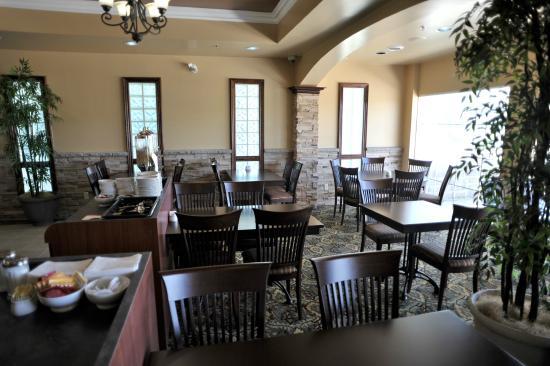 Barrie, Canada: scarpaccio dining room