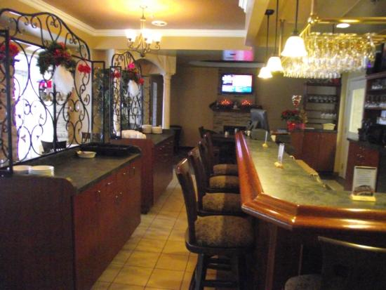 Barrie, Kanada: scarpaccio Bar& lounge operated by c and t catering