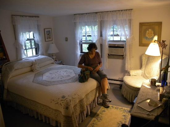 Nauset House Inn: every room is different, and we'd stay in any that were available, all great.  with secret drawe