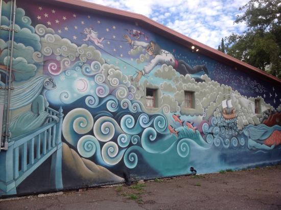 Jonquil Motel: Mural.