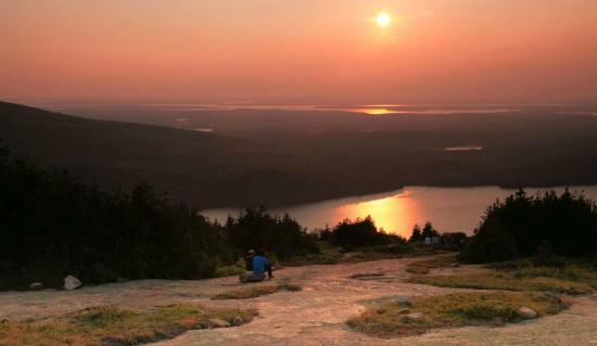 Acadia Pines Motel: Sunset from Blue Hill Overlook on Cadillac Mountain in Acadia National Park