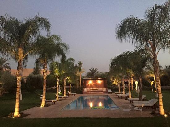 Villa Jardin Nomade: Evening over the gardens