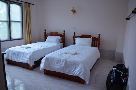 Khamphone Hotel