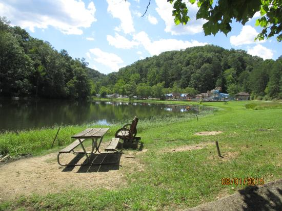 Greenup, KY: View toward swimming pool