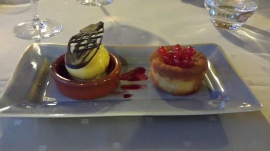 Les Norias Hotel Restaurant: Moelleux amande citron sorbet orange