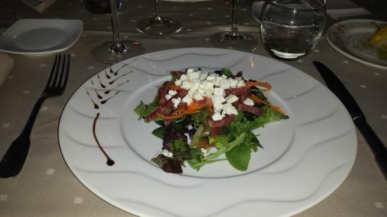Cazilhac, Francia: Salade jambon de pays Pélardon