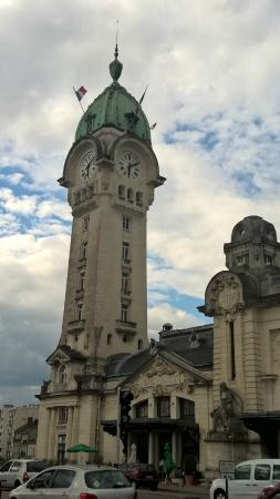 Inter Hotel Atrium : vue sur gare de Limoges depuis chambre