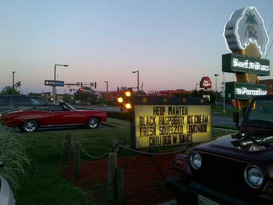 Beef 'N Buns 'N Paradise: Sign at Sunset