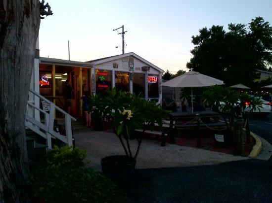 Beef 'N Buns 'N Paradise: Beef N Buns N Paradise Friday summer night