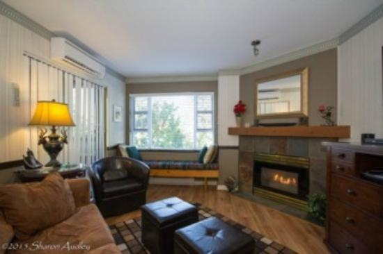 Marketplace Lodge: living room