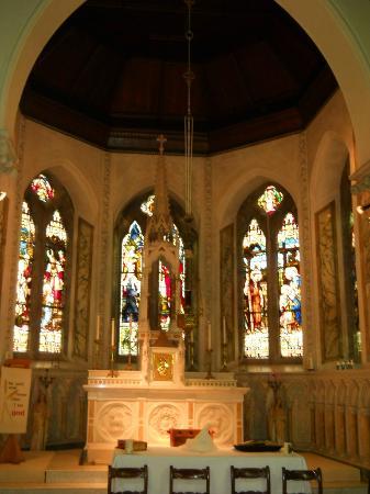 Harry Clarke Stained Glass Windows: Cappella con le vetrate citate