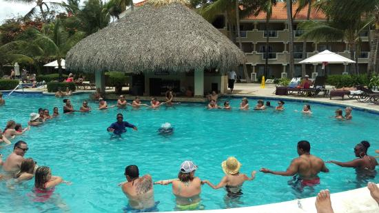 Dreams Palm Beach Punta Cana Activities Round The Main Pool Great For Families