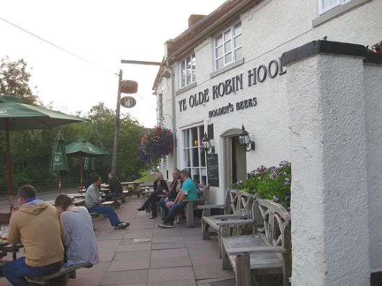 Ye Olde Robin Hood Inn: Ye Olde Robin Hood - outside.