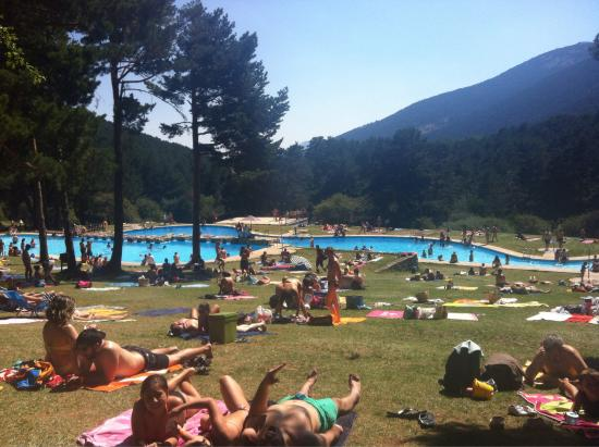 Fotograf a de parque recreativo las berceas for Piscinas naturales de cercedilla