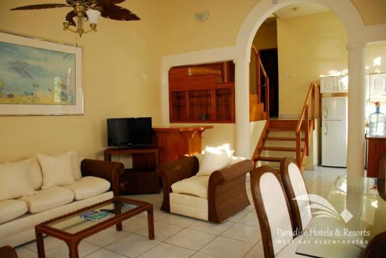 Paradise Beach Hotel: Inside our spacious Villas and their comfortable living areas where you can relax and enjoy!