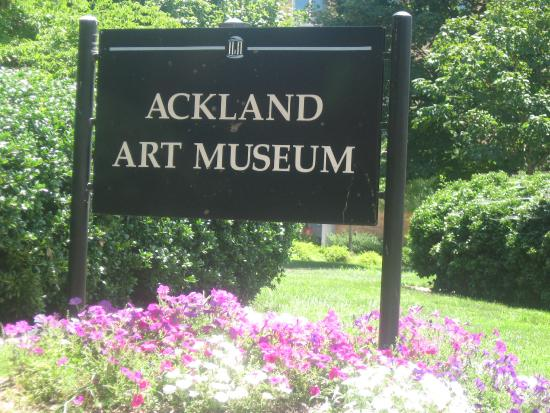 Ackland Art Museum: museum sign