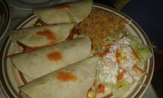 Cantina Mexicana Tacos: quesadillas