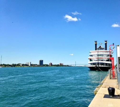 Preservation Detroit Tours: Detroit River