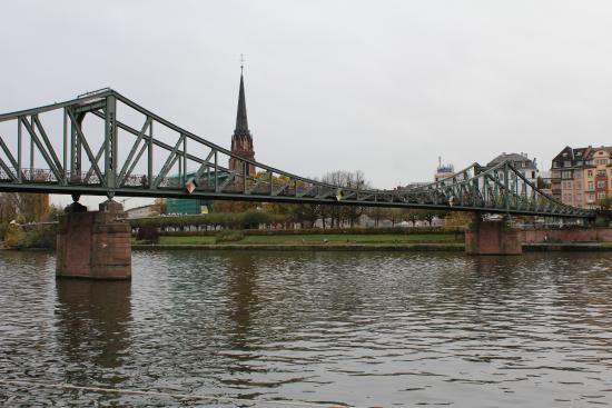 Hotel Zeil: Недалеко от отеля, река Майн