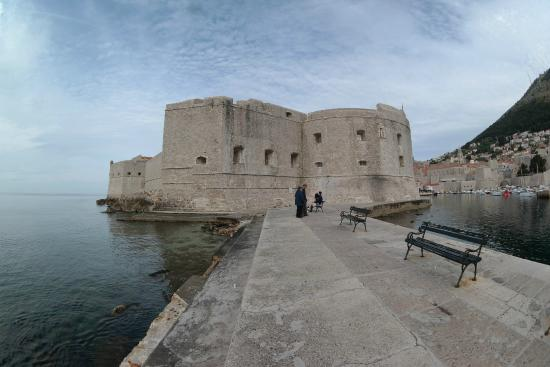 St. John's Fortress: Great view of the walls from here