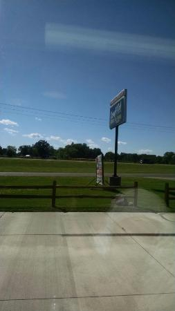 Milaca, MN: Rough Cuts Bar and Grill