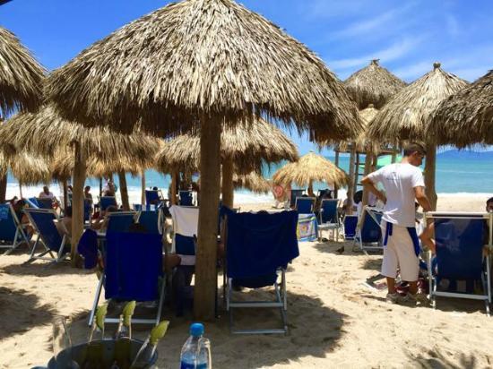 Blue Chairs Beach Club Restaurant & Bar: A perfect day at the beach