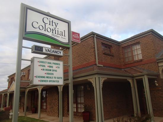 City colonial motor inn updated 2018 motel reviews for Motor city hotel prices