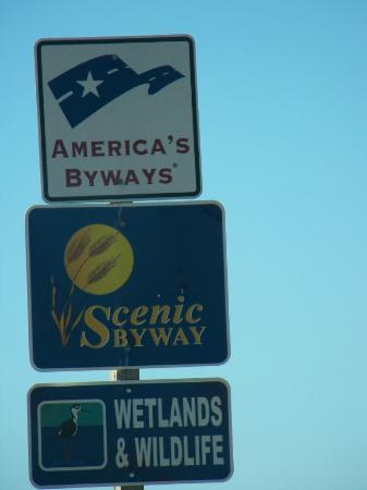 Kansas Wetlands Education Center | 592 NE K-156 Highway, Great Bend, KS, 67530 | +1 (620) 566-1456