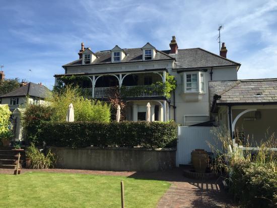 Wingrove House: Beautiful building