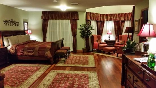 Stone Edge Estate Bed & Breakfast: Escarpment Room