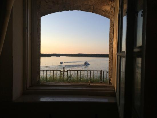 Kastellet Bed & Breakfast: View of the water/sunset