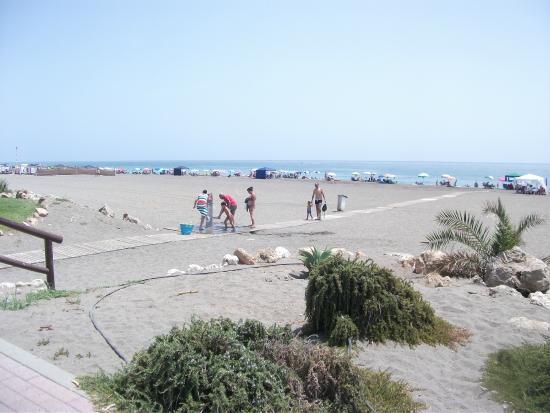 Esperanza Hostal: Playa de Benajarafe