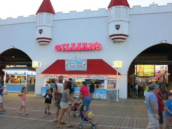 Gillian's Wonderland Pier: Gillians as seen from the Boardwalk.