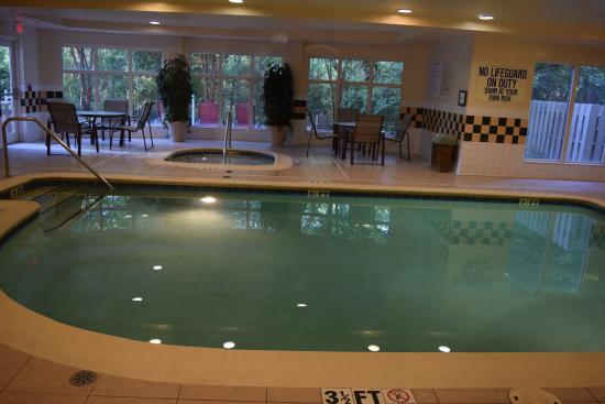 Pool Area Picture Of Hilton Garden Inn Charleston Airport North Charleston Tripadvisor