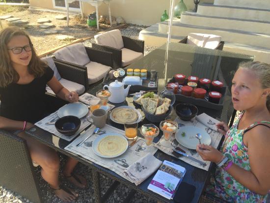 Simiane-Collongue, Francia: Sensationelles Frühstück!