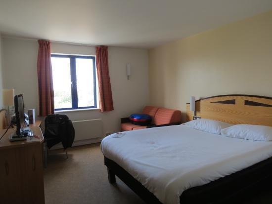 Ibis Rugby East: Our room on the second floor