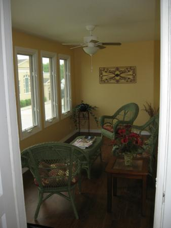 Cherokee, IA: Sun porch off a bedroom