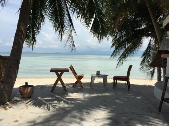 B 52 Beach Resort: Breakfast view