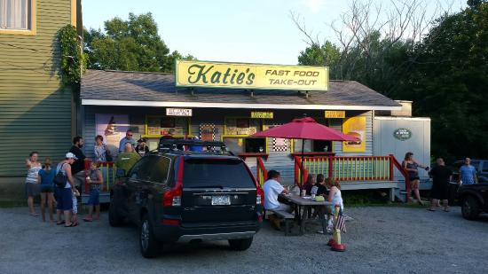 ‪Katie's Country Store‬