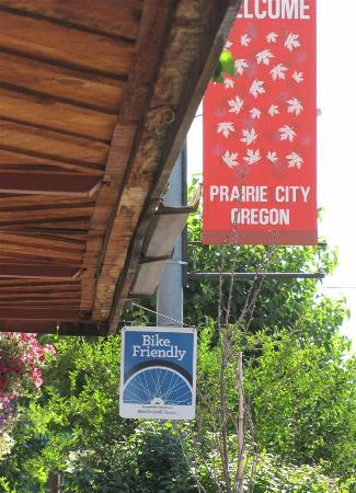 Bicycle friendly welcome to Prairie City