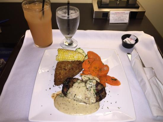 CV Station Pub: 7oz ROASTED GARLIC CREAM steak with croquette with vegetable